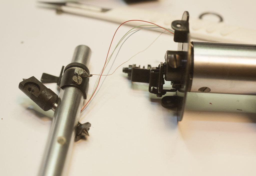 Verkabelung wird aus Rohr ausgeführt