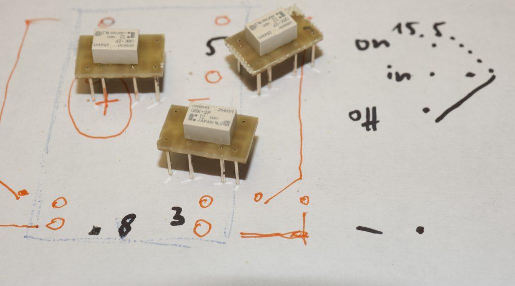 bestückte Miniplatine Omron Kleinsignal