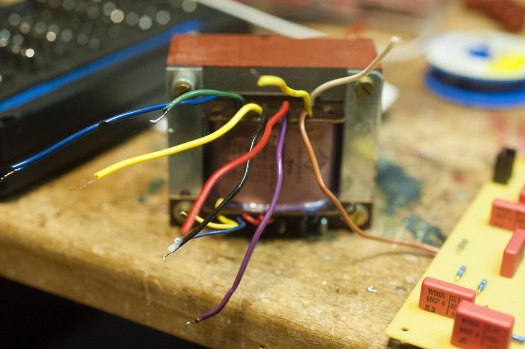 TFK Trafo alle Kabel herausgeführt