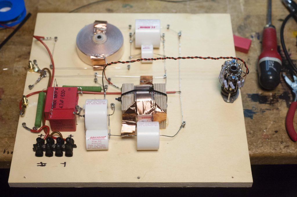 Brettaufbau der neuen Weiche nach Jeff Marquardt Mundorf Kondensator