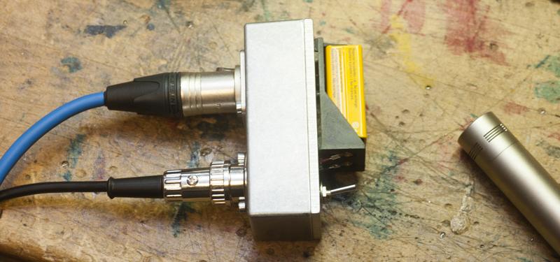 Ein Ausschalter Batterie und Stecker